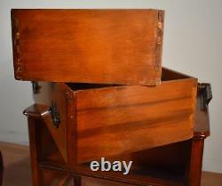 1940s Vintage Chippendale Mahogany Nightstands / bedside tables