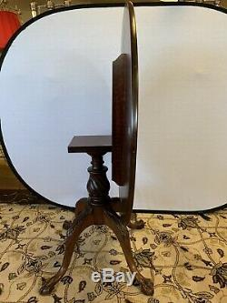 Antique Chippendale Round Mahogany Tilt-Top Center Bistro Dining Card Game Table