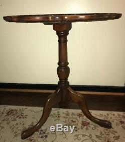 Antique Chippendale Style Mahogany Pie Crust Table 3 Legs Scalloped Edge