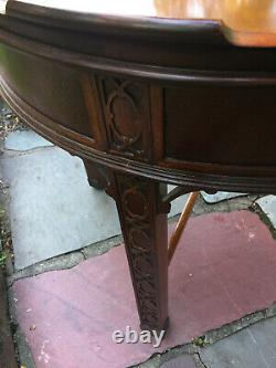 Baker Furniture Round Chippendale Mahogany 1 Drawer End Table