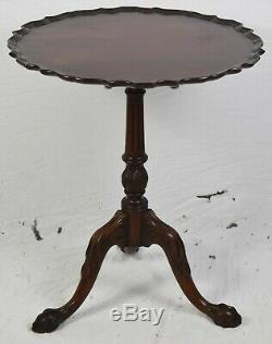 Charak Bench Made Chippendale Mahogany Pedestal Base Tea Table, Tilt Top