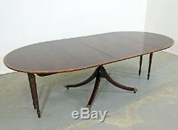Chippendale Regency Baker Cherry Banded Extendable Round Dining Table