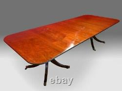Exquisite George III style Brazilian mahogany dining table Pro French polished