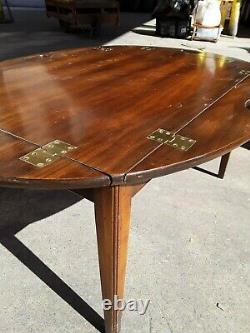 Gorgeous Vintage Baker Furniture Chippendale Mahogany Butler's Coffee Table