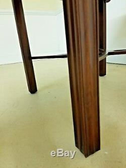 Henkel Harris Spnea Table Mahogany Chippendale Stretcher Base