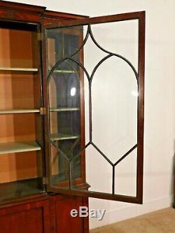 Kittinger Mahogany Crown Mullioned Glass 3 Door Breakfront China Display Cabinet