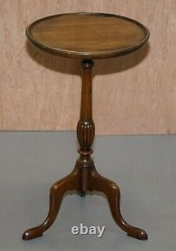 Lovely Pair Of Vintage Mahogany Tripod Lamp Side End Wine Tables Very Elegant