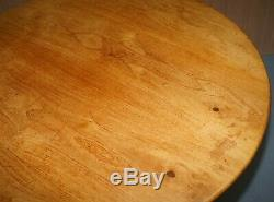 Lovely Vintage Solid Golden Mahogany Round Dining Table Ornately Carved Legs