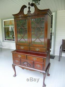 Mahogany Chippendale style dining room set (table, 4 chairs, buffet, cabinet)