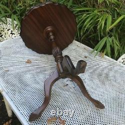 Old Mahogany Walnut Pie Crust Edge Tripod Lamp Side Wine Table Hollywood Regency