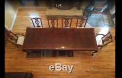 Rittenhouse Square Henredon dinning table and Chairs