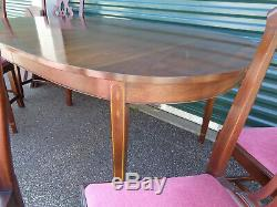 SUPERB HENKEL-HARRIS SOLID MAHOGANY CHIPPENDALE DINING SET With LEAVES & PADS