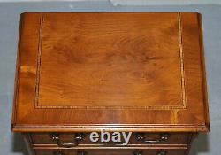Stunning Pair Of Burr Yew Wood Side End Lamp Table Sized Chest Of Drawers