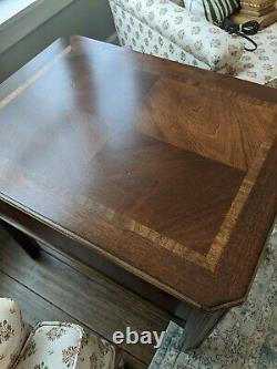 Vintage MCM Lane Chippendale Fretwork Inlay End Table