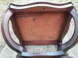 Vintage Mid Century Chippendale Duncan Phyfe Style Mahogany Wood Side Table deco