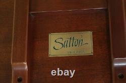 50622ec Sutton Balle Et Griffe Chippendale Acajou Piecrust Table