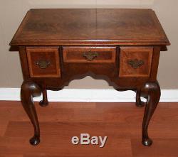 8008 Exceptionnelle Antique Ronce Noyer Lowboy Poitrine Table Queen Anne Taille Enfant