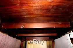 Acajou 12ft. Conférence Style Chippendale Table Avec Gilt-top En Cuir Embossé