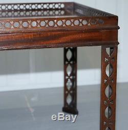 Acajou Chinois Style Chippendale Argent Thé Ou De Café Table Chantourner Travail Sculpté