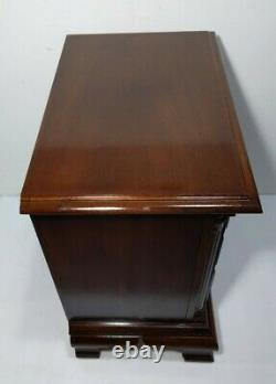 Américain Drew Cherry Wood 3-drawer Bachelor Chest Table Nightstand Chippendale