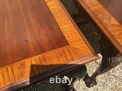 Anglais Mahogany & Burled Wood Hand Carved Chippendale Ball And Claw End Tables