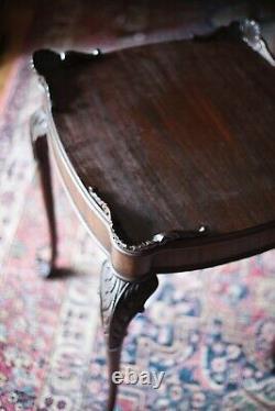 Années 1800 Antique Chippendale End Table Pieds Côté Acajou Boule Et Griffe Cabriole Jambes