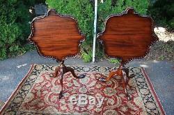 Années 1920 Anglais Chippendale Acajou Inclinable Tables / Tables D'appoint / Tables D'extrémité