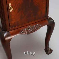 Antique Français Flame Mahogany Chippendale Style Marble Top Side Table
