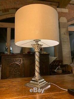 Argent Antique / Chrome Orge Colonne Corinthienne Twist Lampe De Table Étagé De Base