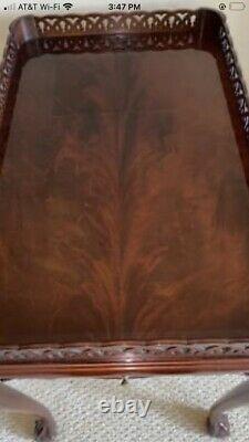 Artisan Du Conseil Antique Style Acajou Fretwork Flame Tea Table Chippendale