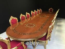 Assortiment De Table À Manger De Style Louis XVI De Classe Mondiale, 8 Pieds À 20 Pieds Plus