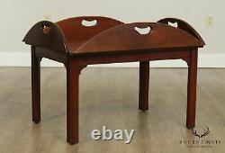 Baker Chippendale Style Acajou Butlers Table De Café
