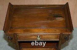 Belle Paire De Main Chinoise Antique Découpée Circa 1900 Tables Latérales Charme Oriental