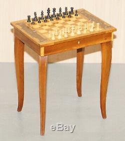 Belle Petite Musique D'échecs Jeux Backgammon Table Avec Tiroir Et Des Pièces D'échecs