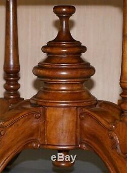 Belle Vintage Massif D'or Ronde En Acajou Table À Manger Richement Sculpté Jambes