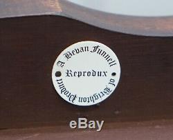 Bevan Funnell Ronce De Noyer Cut Table Basse Avec Les Jambes Élégantes À Long Cabriolet