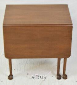 Biggs (kittinger) Chippendale Mahogany Petit Abattants Table Pembroke Table