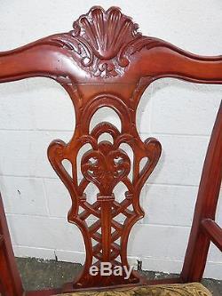 Chaise D'appoint Vintage Chippendale Sculptée Ton Bois Rouge Cadre En Bois Ton Tan