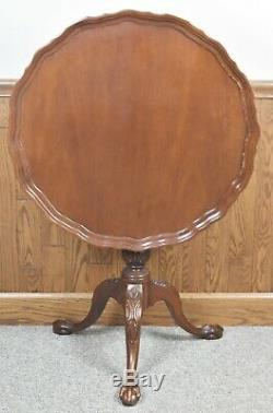Chaise Hickory Collection James River Mahogany Chippendale Tilt Top Pie Table