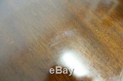 Chippendale Regency Baker Cerise Fasciée Table Ronde Extendable