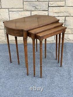 Ensemble De 3 Baker Furniture Banded Burl Inlaid Mahogany Bamboo Nesting End Tables