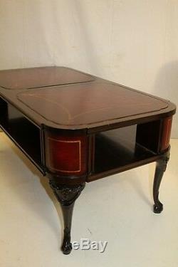 Ensemble De Table Basse Et De 2 Tables D'appoint En Acajou De Style Chippendale, Signée