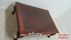 Ethan Allen 18ème Siècle En Acajou Fasciée Table Basse Boule Griffe Chippendale