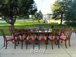 Ethan Allen 18ème Siècle En Acajou Style Chippendale Table À Manger Avec Chaises