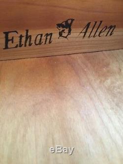 Ethan Allen Georgian Court De Cherry Queen Anne Abattants Table D'appoint (finition 225)