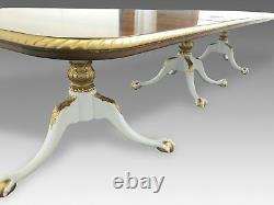Exquisite 12.5ft Grand Regency Style Flame Mahogany Table Pro Polisé En Français