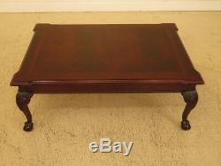 F45526ec Thomasville Table Basse En Acajou Sur Pattes