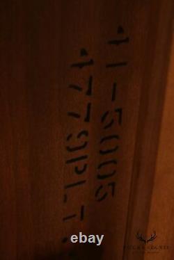 Henredon Rittenhouse Square Collec. Table Latérale Pour Boules Et Griffes D'ahogany Chippendale