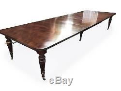 Incroyable 14.9ft Antique Grand Victorian Table À Manger En Noyer. 1831-1901