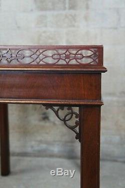 Kindel Chippendale En Acajou Sculpté Thé Table Basse Bibliothèque Parlor Fretwork